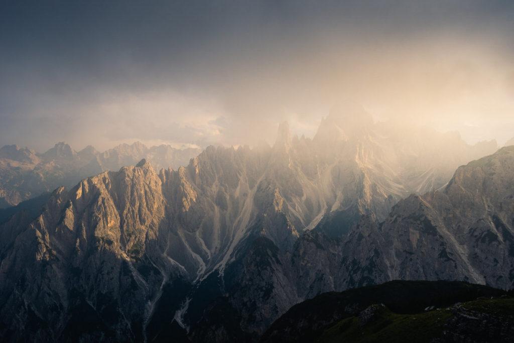 Les pics rocheux du massif des Dolomites
